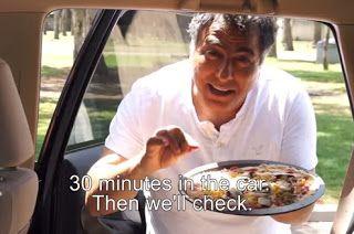 Αφήνει μια άψητη πίτσα μέσα στο αυτοκίνητο και μετά από 30 λεπτά  Θα πάθετε ΣΟΚ [video]