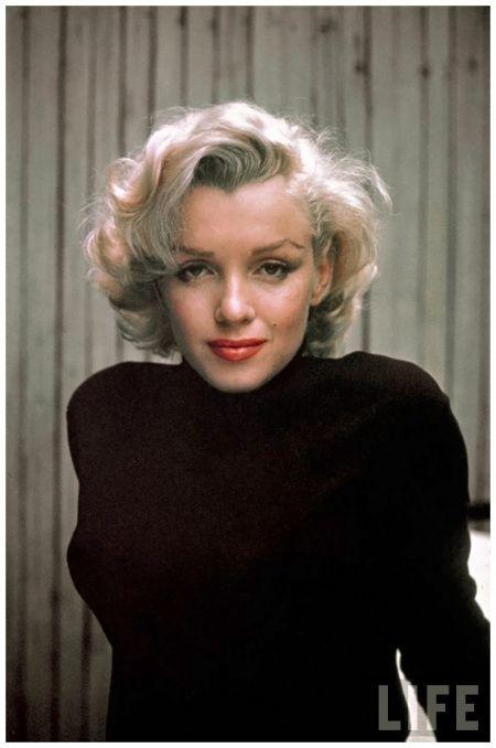 http://jazzinphoto.files.wordpress.com/2014/03/marilyn-monroe-photo-alfred-eisenstaedt-may-1953-c.jpeg?w=450&h=676