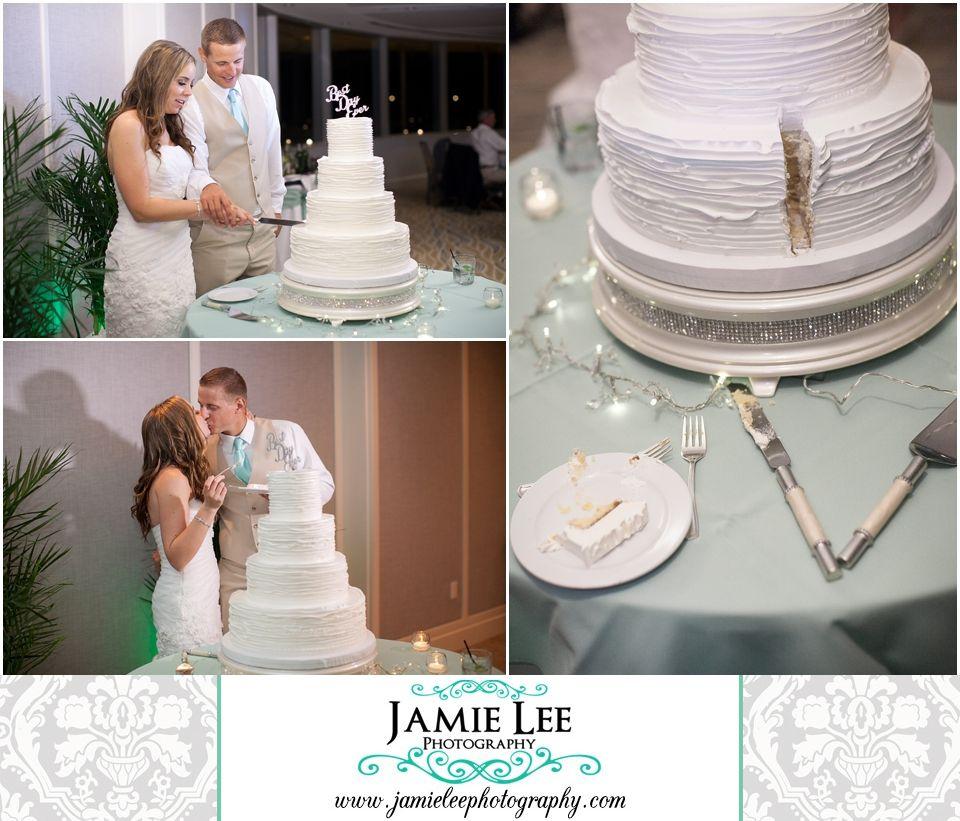 Naples Beach Hotel | Naples Wedding Photographer | Jamie Lee Photography | Beach Themed Wedding Reception | Bride and Groom Cutting Cake