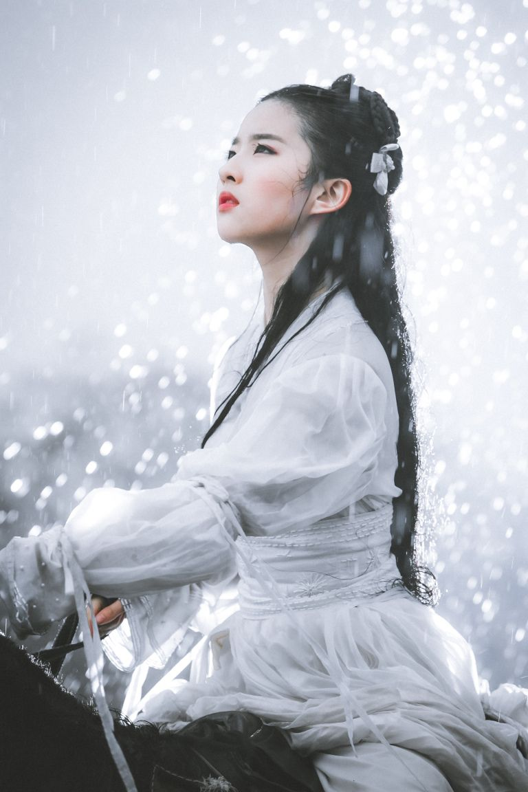 Flashback: Liu Yifei on horseback in The Return of the
