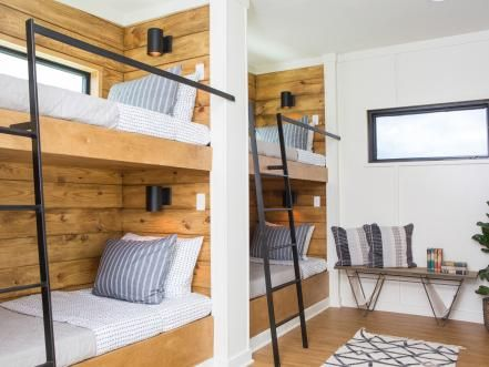 Fixer Upper It Floats Fixer Upper Bunk Beds Built In Bunk Rooms