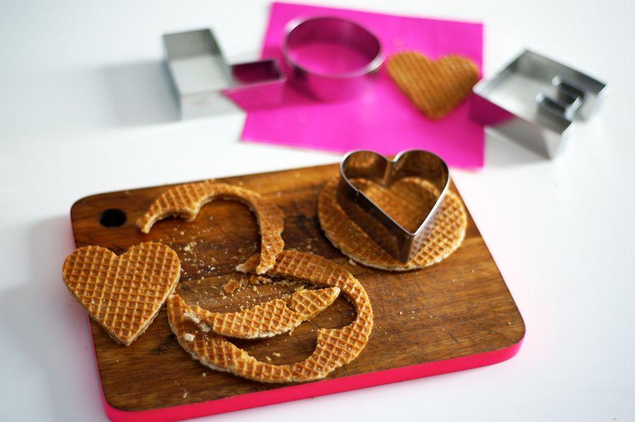 Stroopwafel hartjes / hearts made out of Dutch stroopwafels