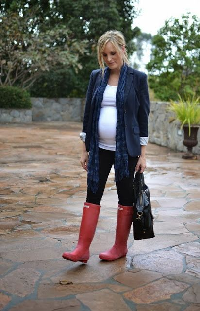 Pregnancy style and fashion. I will for sure be rocking my Hunters this Spring and Fall :)