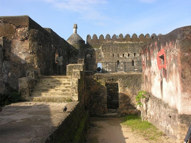 historic african places | Kenya.it - Famous Places - Museums, Monuments and Sites in Kenya