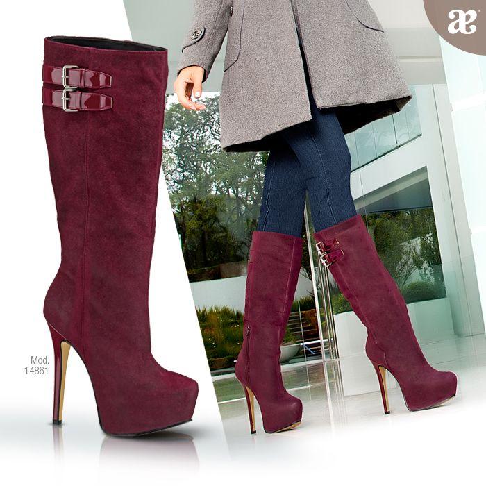 Gamuza en los colores de la temporada, combinación perfecta para lucir elegante. #moda en #botas