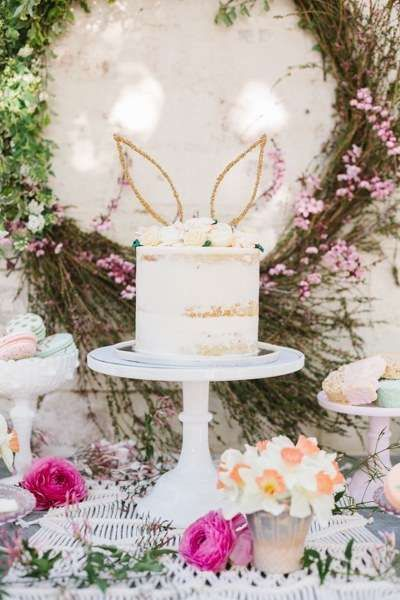 Loving The Easter Bunny Cake At This Backyard Brunch See More Party Ideas And