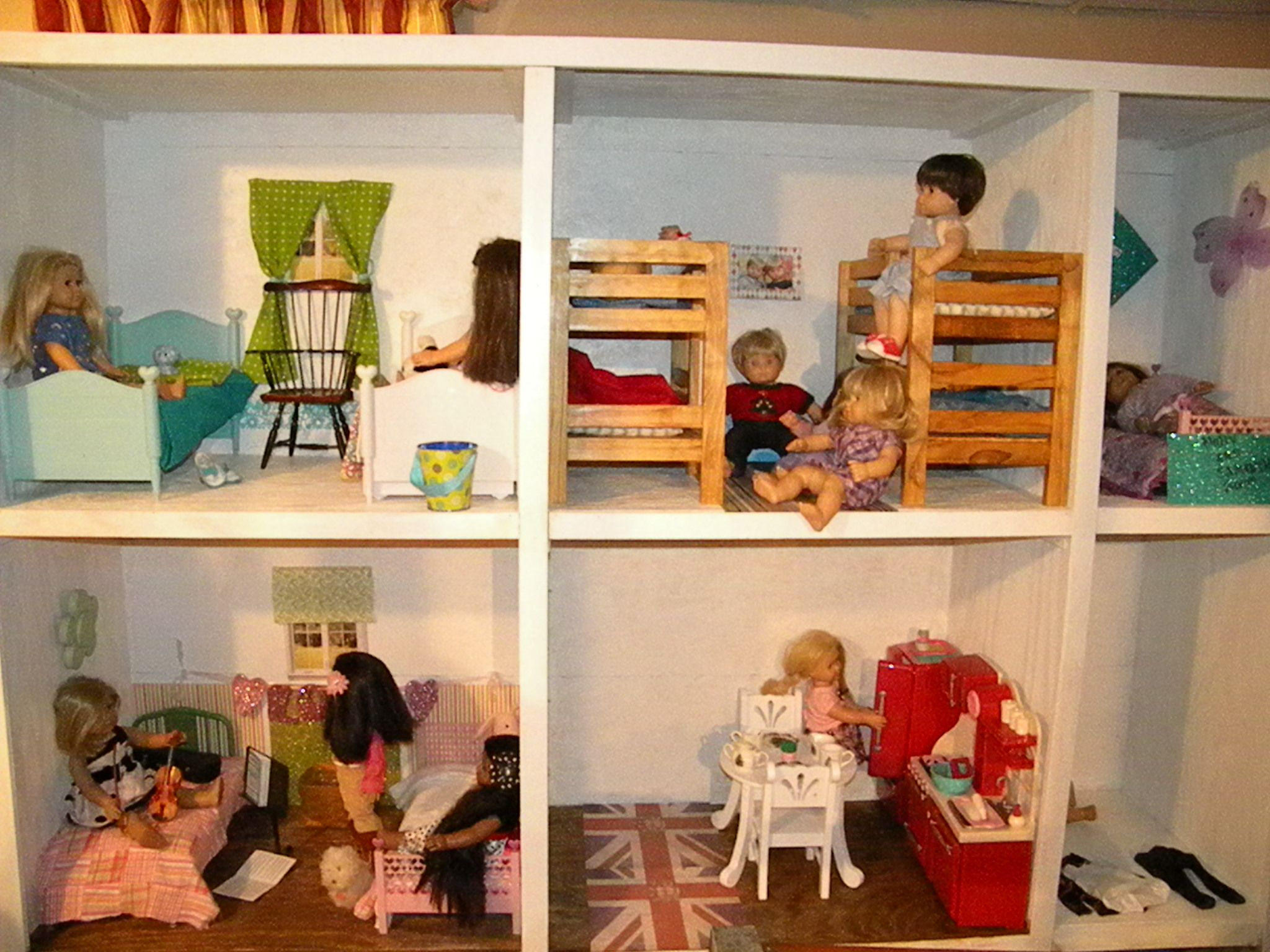 Love this DIY American Girl dollhouse made with two