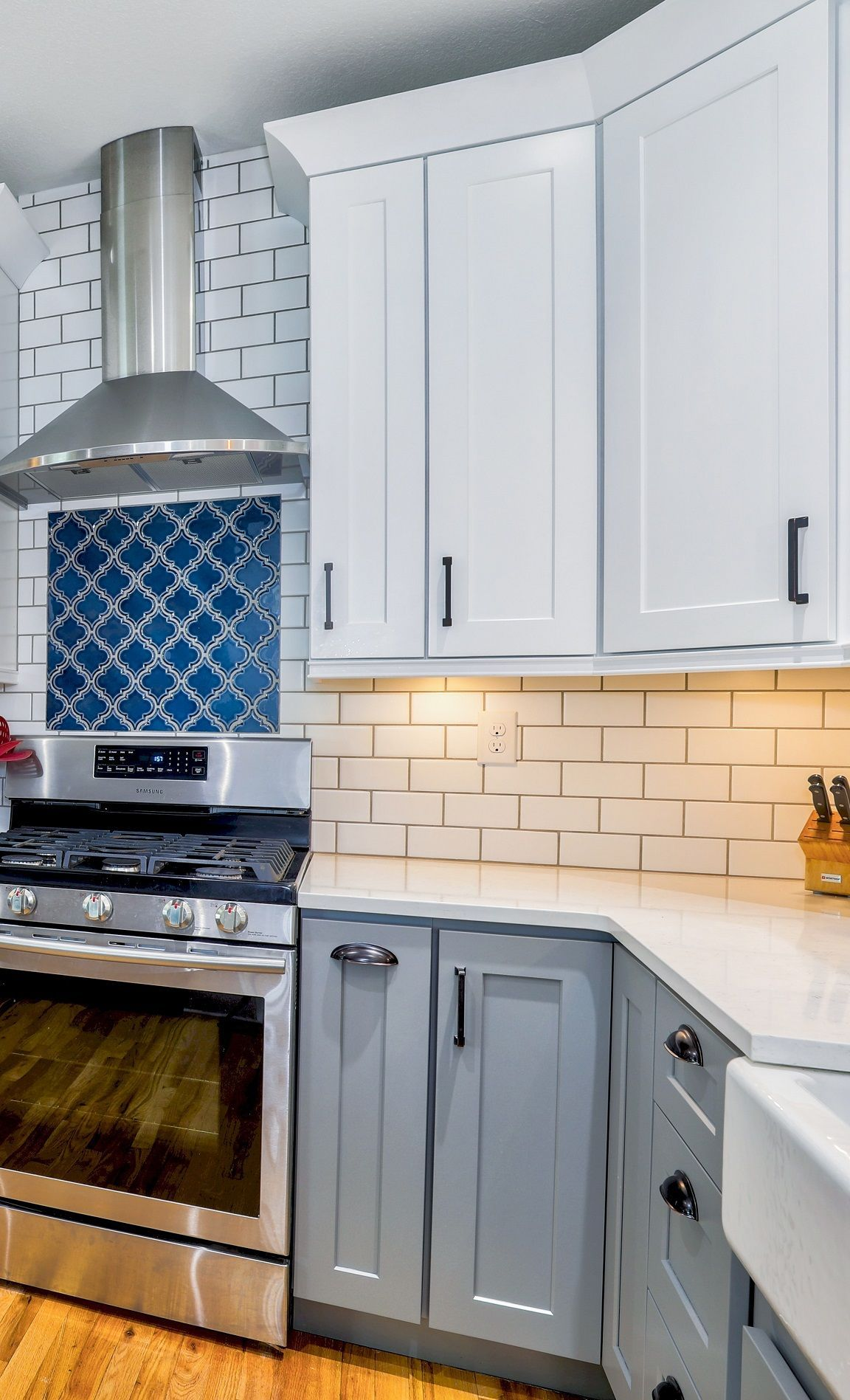 Top Eight Kitchen Cabinet Color Combinations To Choose From In 2020 Kitchen Designs Layout Best Kitchen Layout Kitchen Cabinets Color Combination