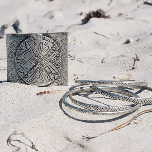 The Mala cuff bracelet, Ayse bangles and Kaya XO bangles 👌🏼🐚 www.sololu.com #sololu