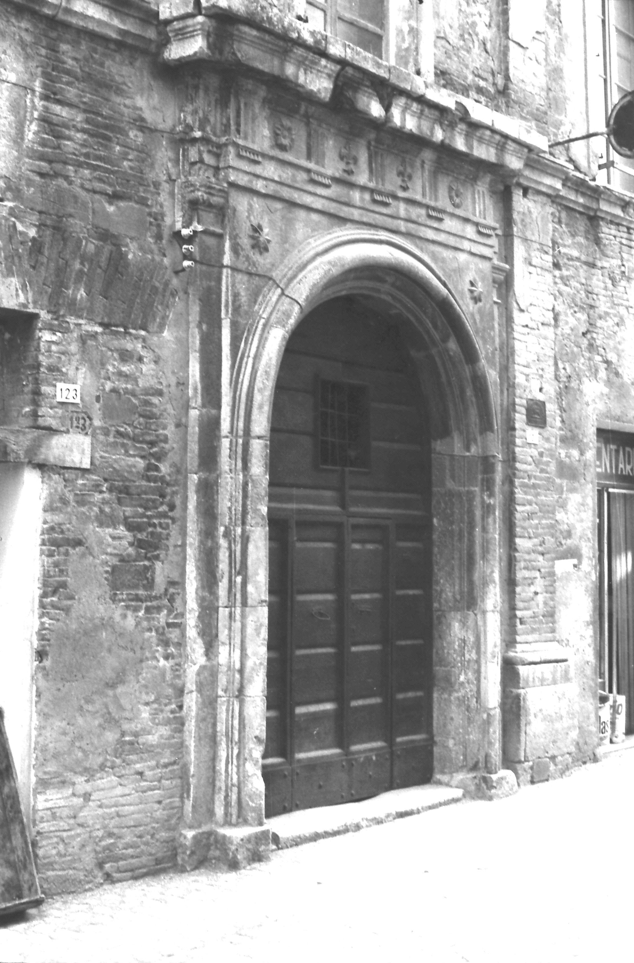 Matelica, Palazzo Croci Razzanti prima della demolizione (1964 - 1965) 3/7