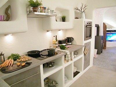 offene k che mit direktem zugang zum wohnzimmer ferienhaus f r bis zu 8 personen in schlo heck. Black Bedroom Furniture Sets. Home Design Ideas