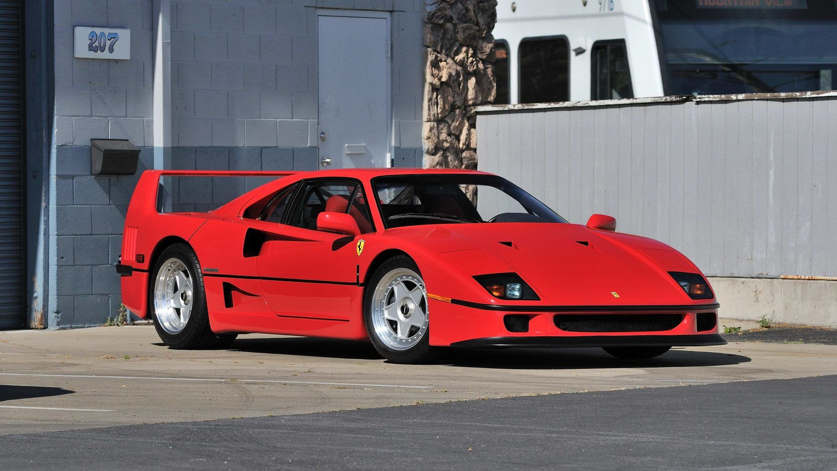 1990 Ferrari F40 1 325 000 Ferrari F40 Ferrari Luxury Automotive