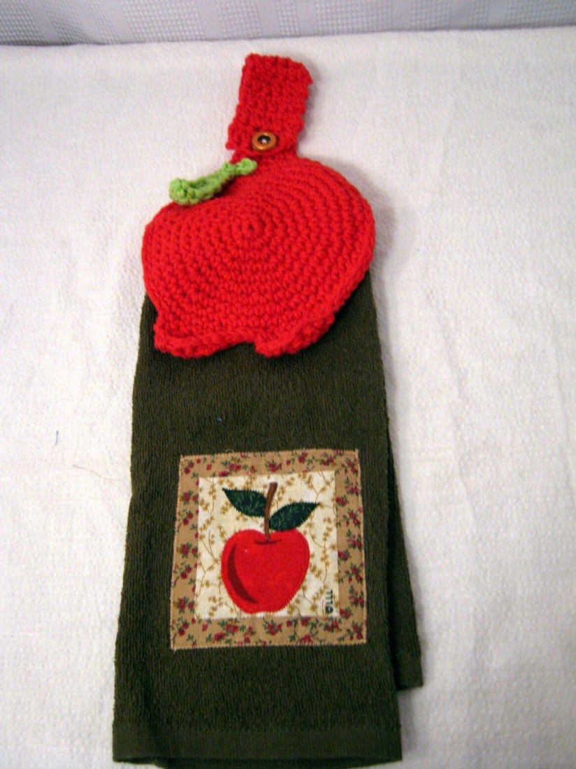Apple Towel Topper Free Crochet Pattern 2 Crochet Hooks | Lillian\'s ...