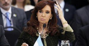 Argentina`s Fernandez hands over power