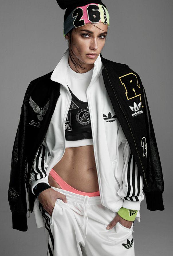 Adriana Lima By Steven Meisel For Vogue Italia Moda Deportiva Ropa Deportiva Para Hombre Ropa Deportiva Adidas