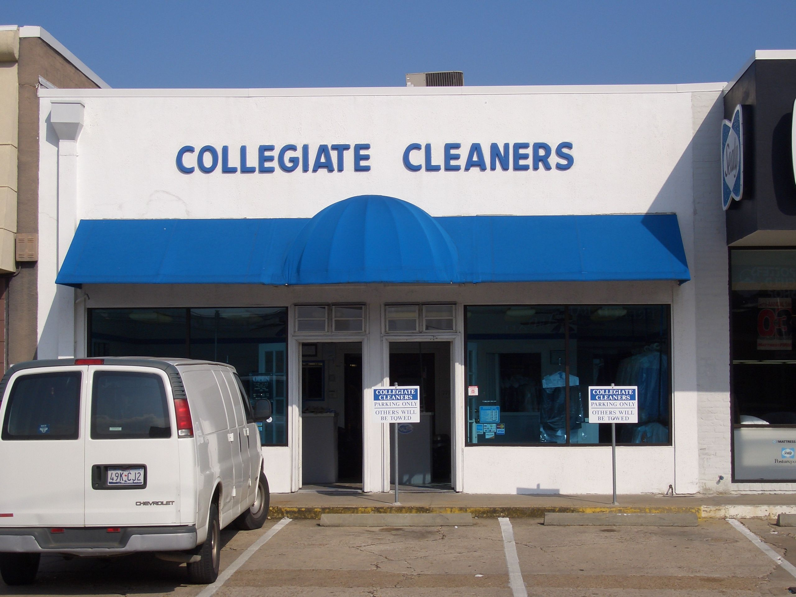 Houston Drycleaning Clothes Formalwear Drycleaners Collegiatecleaners Texas Alterations Shoerepair Shoe Repair Dry Cleaning Cleaners