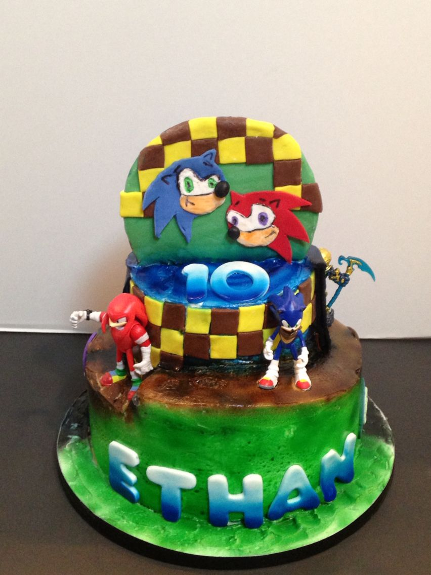 Sonic cake. This is the other half of a two sided cake. Other side was Skylanders