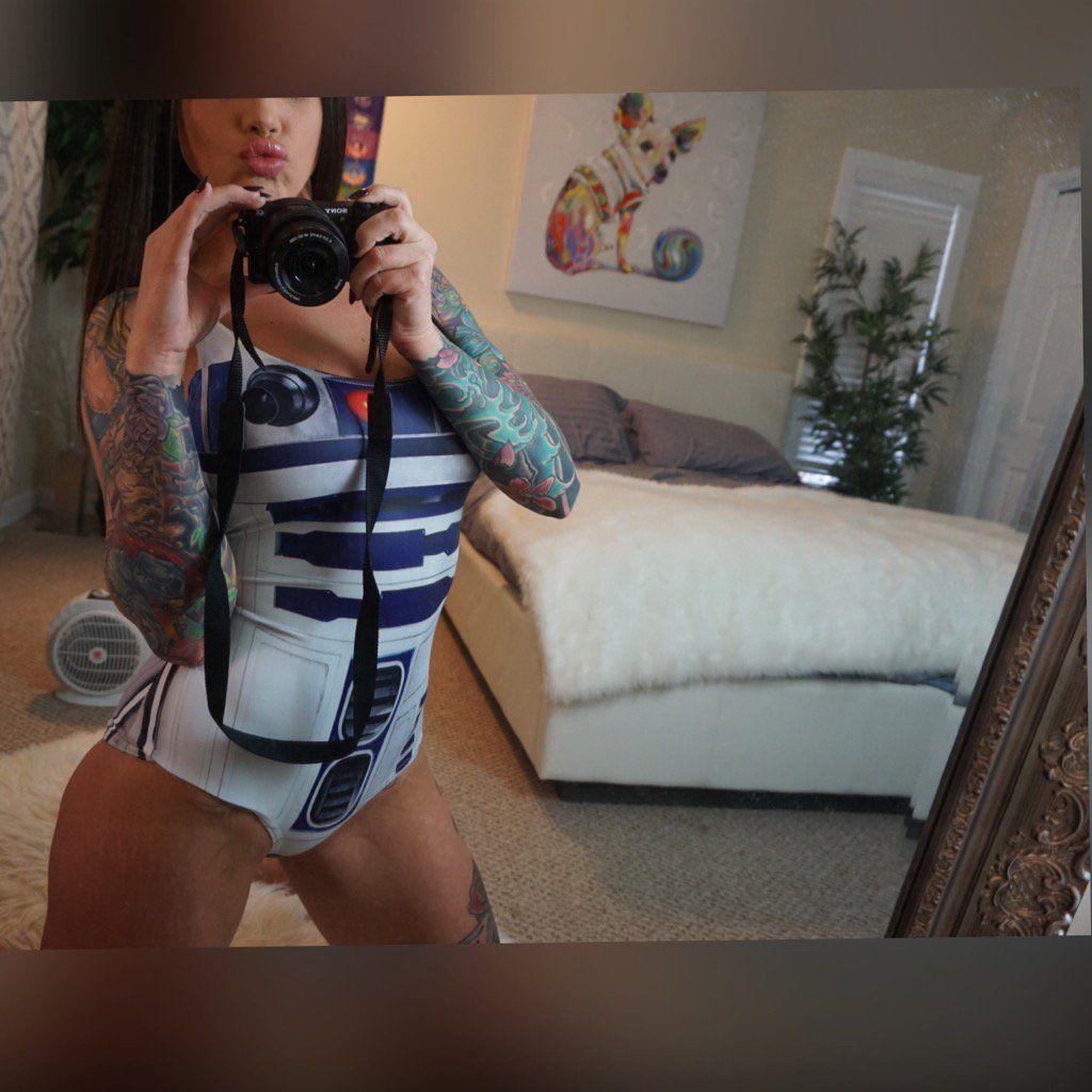 7213a02a8 Jessica Wilde (@TattGoddess) | Twitter | Webcam Beauties | Fashion ...