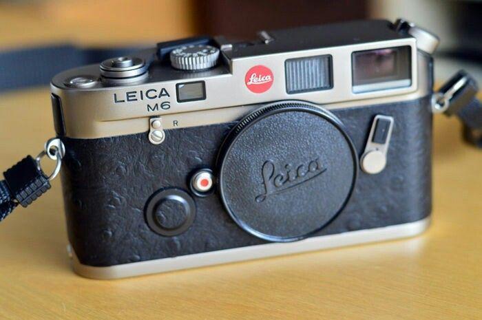 6a06285a4eb Leica M6 Titanium + Summilux Titanium 35mm 1.4 - Catawiki