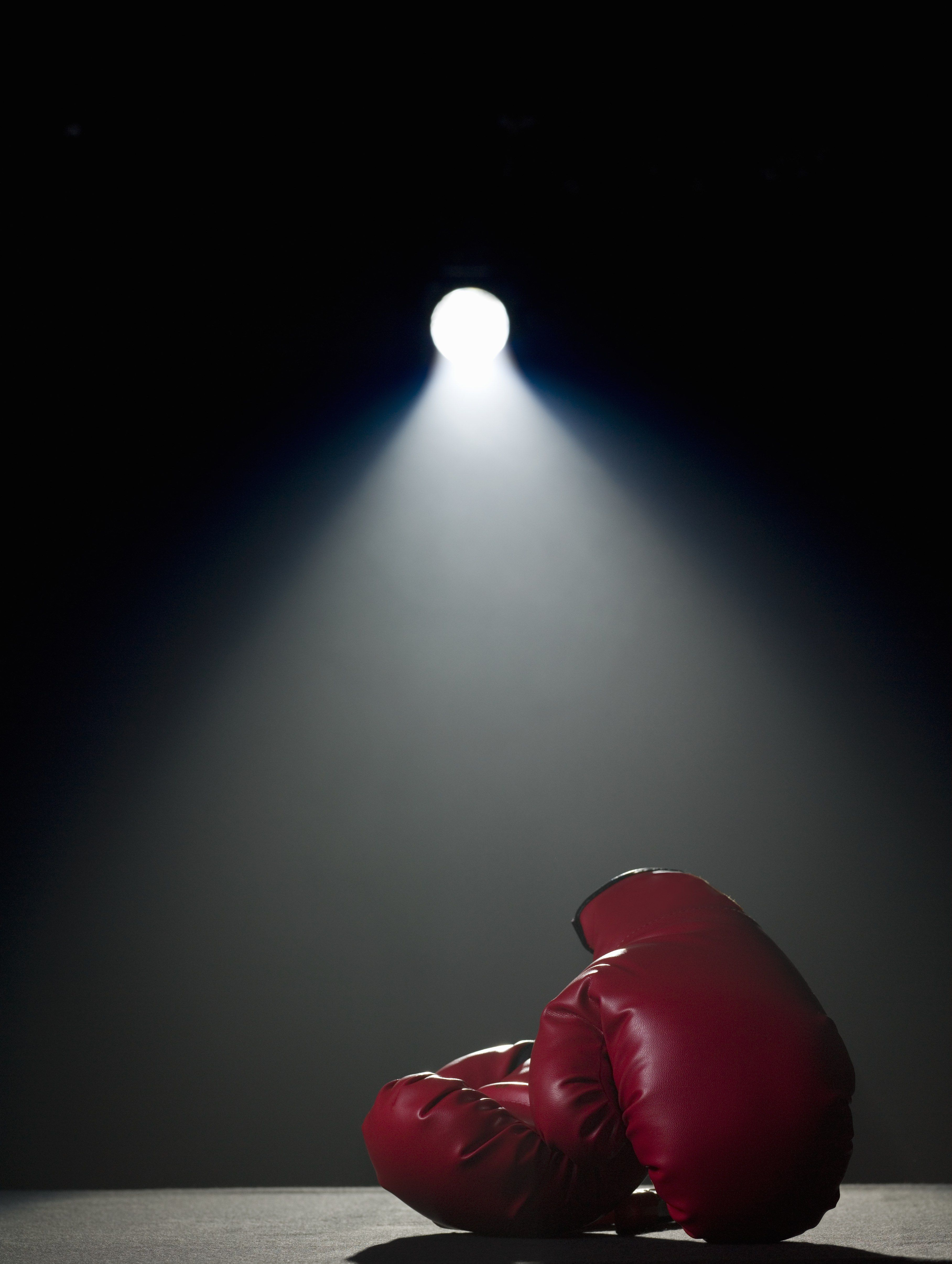 Meet The 16 Year Old Boxer Fighting For Her Right To Wear A Hijab Boxing Gloves Muay Thai Photo
