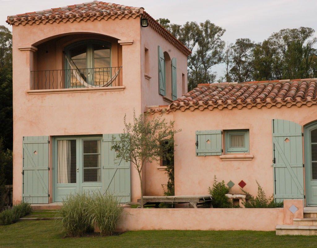 Les confines entradas de casas pintura fachadas de for Pintura para fachadas de casas modernas