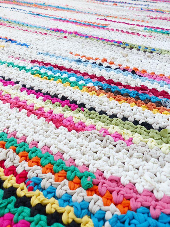 Tapis Au Crochet #10: Tapis Au Crochet En Trapilho #zpagetti #hoooked #trapilho
