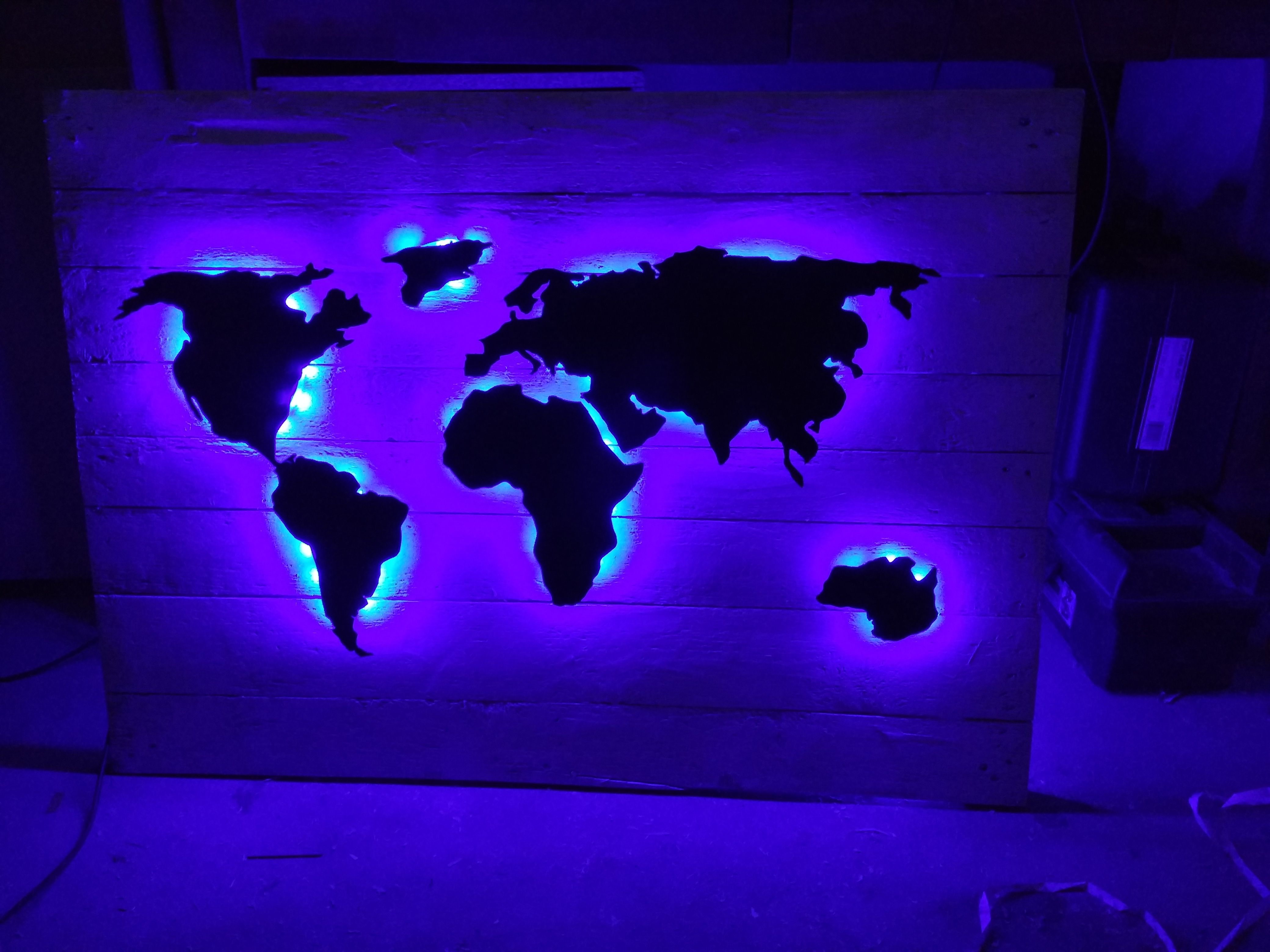Weltkarte Als Indirekte Beleuchtung Mit Bildern Indirekte Beleuchtung Beleuchtung Weltkarte