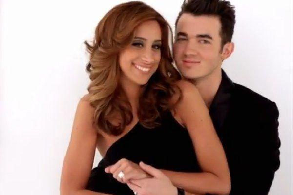 Danielle Jonas And Kevin Jonas Married To Jonas Promo Danielle Jonas Pregnant Celebrities Jonas