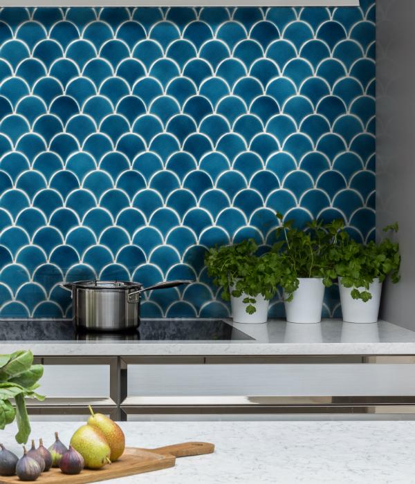Atlantis Scallop Porcelain Ultramarine Tiles Artisans Of Devizes In 2020 Scallop Tiles Scallop Tile Backsplash Colourful Kitchen Tiles