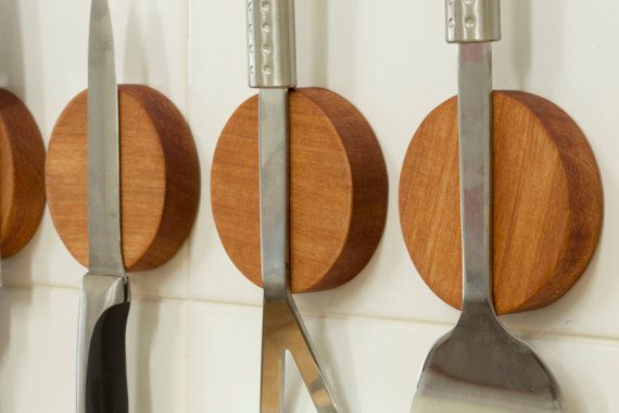 NEW Knife Disc a Magnetic wall mounted knife holder. Made from NZ Rimu.