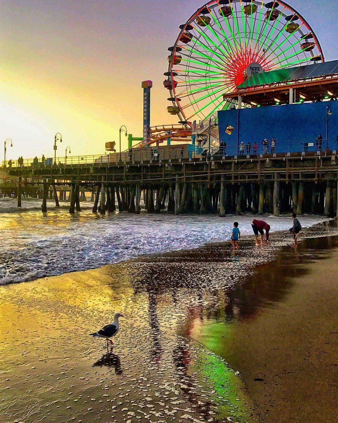 Santa Monica Pier, Los Angeles, California ★ ★ Trending