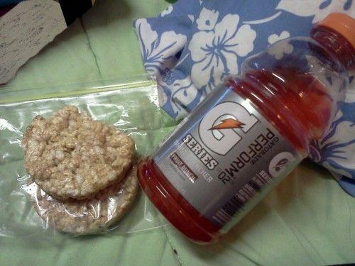 2 caramel rice cakes with gatorade