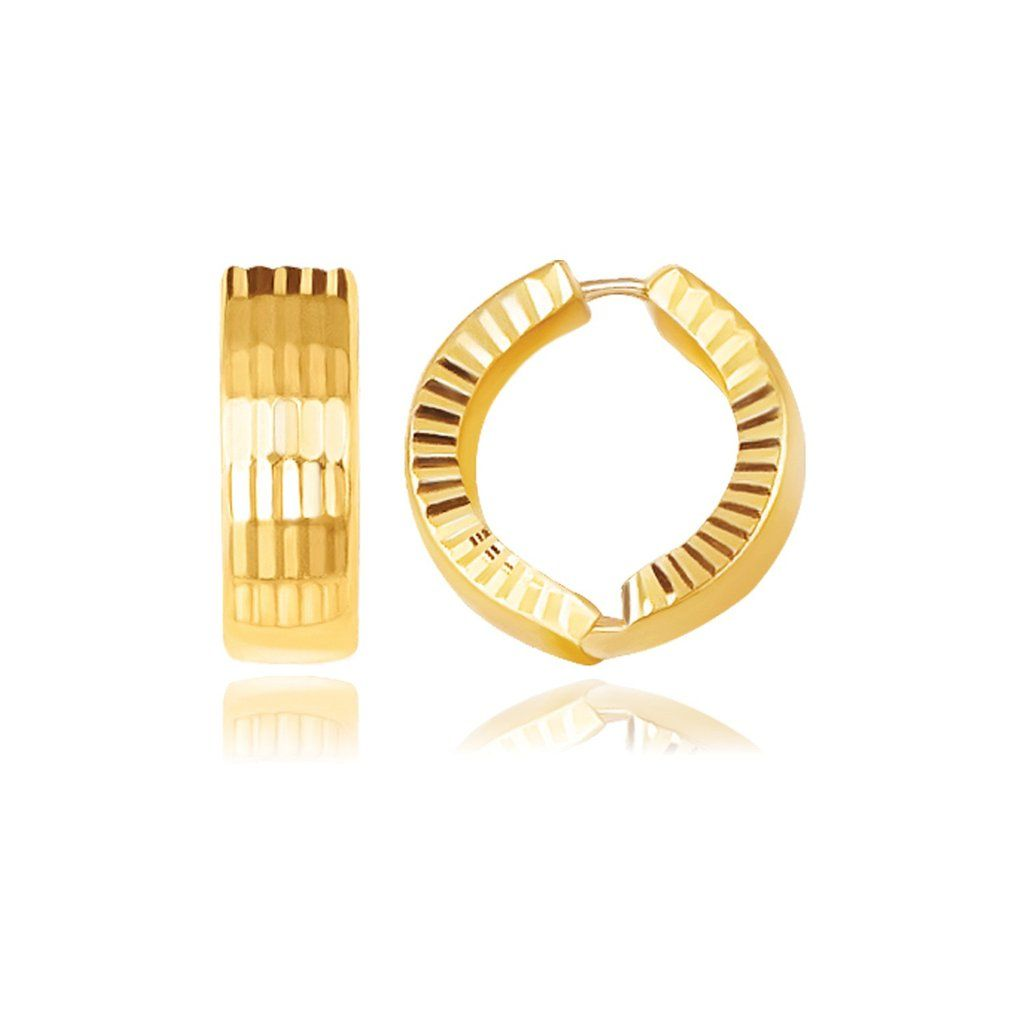 Whether your personal style is glamorous or sporty, these snuggable hinged hoop earrings fit the bill. Elegantly faceted with a reflective pattern on one side,