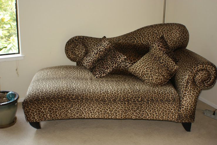 Love this leopard print chaise lounge... | Chaise lounge ...