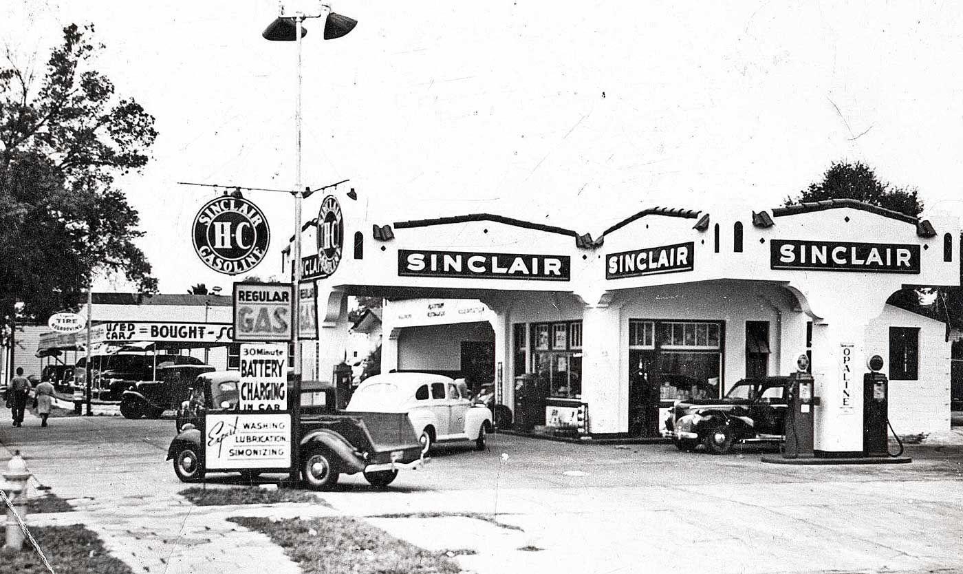 Old Gas Station Sinclair HC Hudson Dealer St. Petersburg