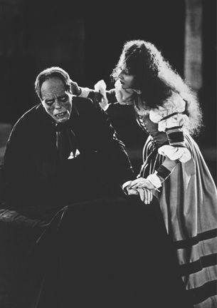"DISCOVER for All Library Resources: ""Phantom of the Opera"" Lon Chaney and Mary Philbin 1925 Universal"