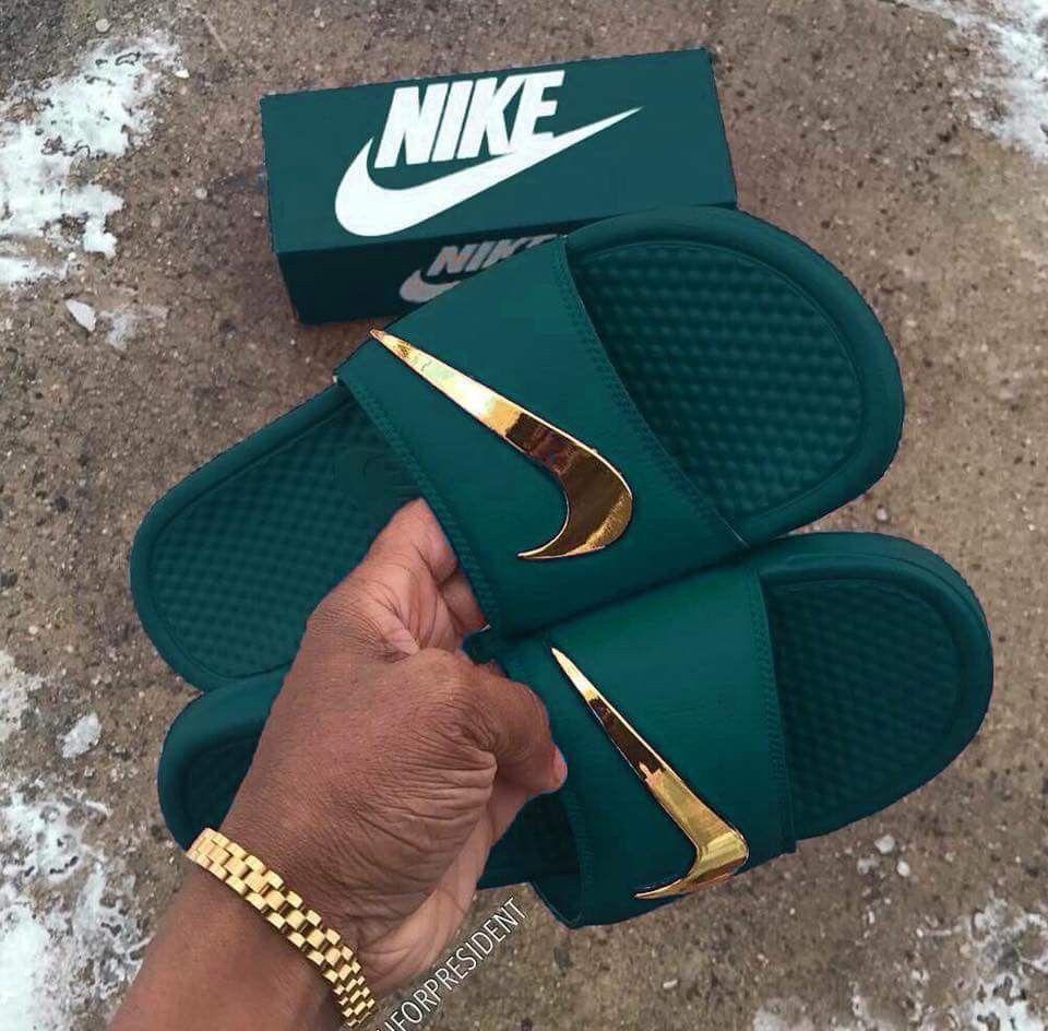 a826b706e5641 Chancletas Nike en color verde