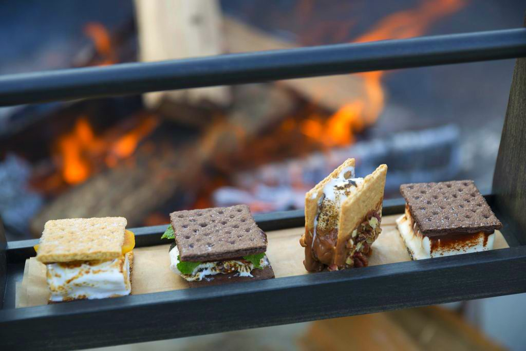 Fancy S'mores Dessert You'll find'em at these Amazing
