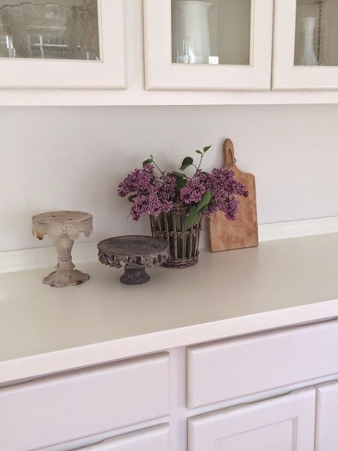 Little Farmstead: Farmhouse Dining Room ~ Buffet Makeover (Before & After... Painting Formica!)