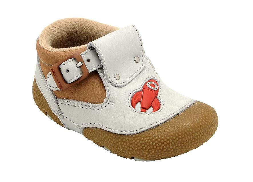 Rocketship - Buckle fastening pre-walking shoes for kids with a rocket theme.