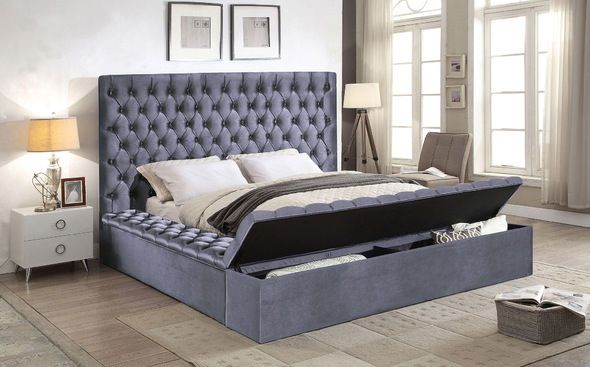 Bliss Gray King Size Bed Bliss Meridian Furniture King Size Beds In 2020 Meridian Furniture Tufted Bed King Storage Bed