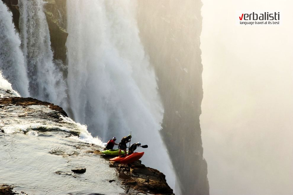 Extreme sports FunVOCAB http://verbalisti.com/2014/10/27/engleski-recnik-za-ekstremne-sportove-video   Extreme kayaking at Victoria Falls