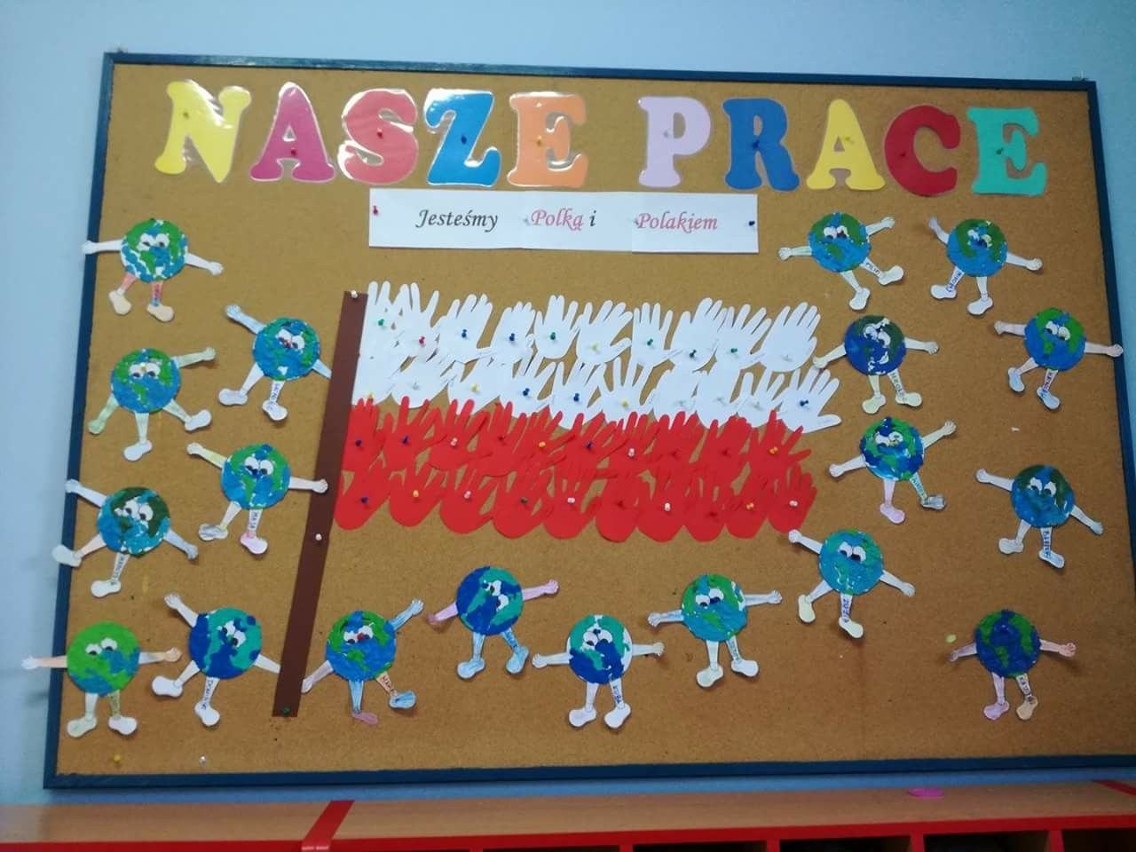 Polska Flaga Z Rak Dzien Ziemi Art Activities For Kids Swieto