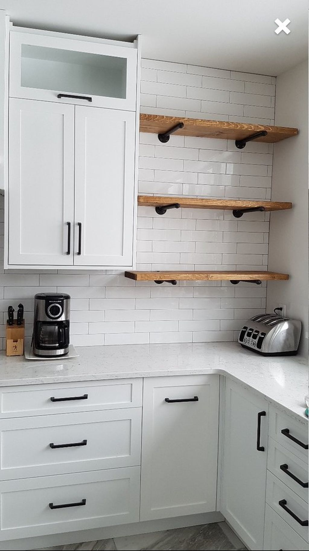 35 Gorgeous Kitchen Floating Shelves For Your Lovely Kitchen Small Kitchen Decor Kitchen Design Kitchen Renovation