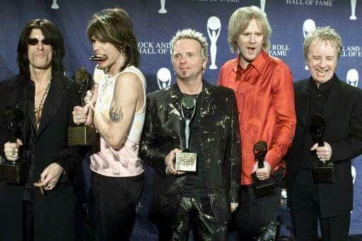Aerosmith ~ 2001 Rock and Roll Hall of Fame ♡   Aerosmith, Joe perry, Steven  tyler
