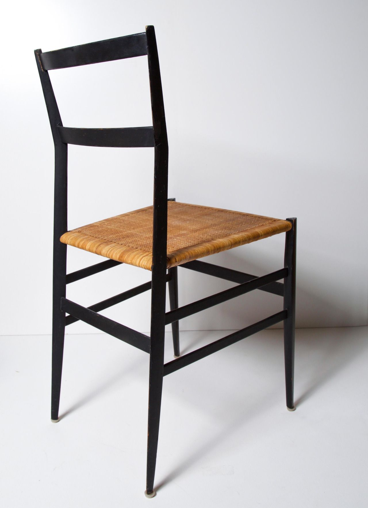 GIO PONTI, Superleggera Chair (engl.super Lightweight), 1957. Superleggera  Is Based On Ponti´s Earlier Leggera Chair From 1951 With A Very Similar ...