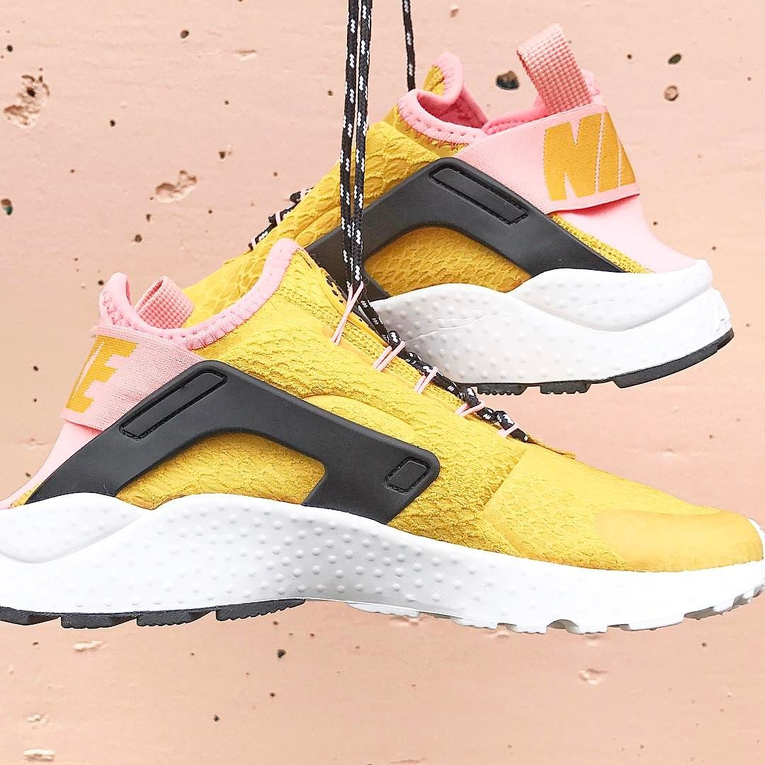 the latest bb3c1 a0bde 💓COLOUR CRUSH 💓 We already love the Nike Air Huarache Run Ultra SE, but  we love it even more in it s Gold Dart, Bright Melon and Black Colourway 😍  We ...