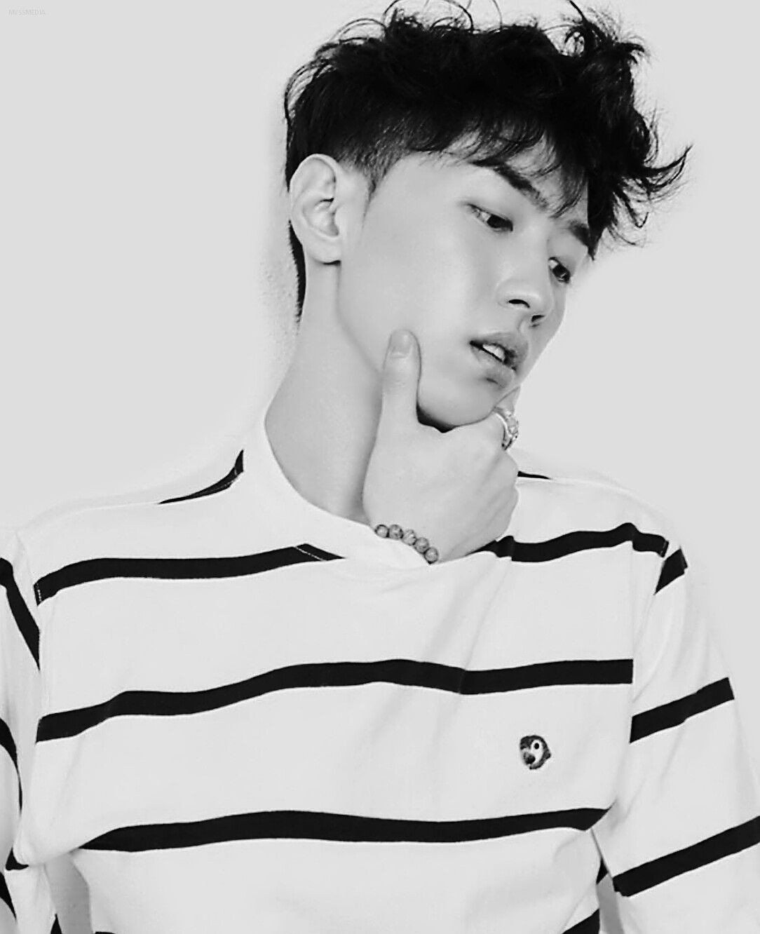 9 Non Idol Rappers Who Have Stunning Visuals Rappers Kpop Rappers Gray Aomg