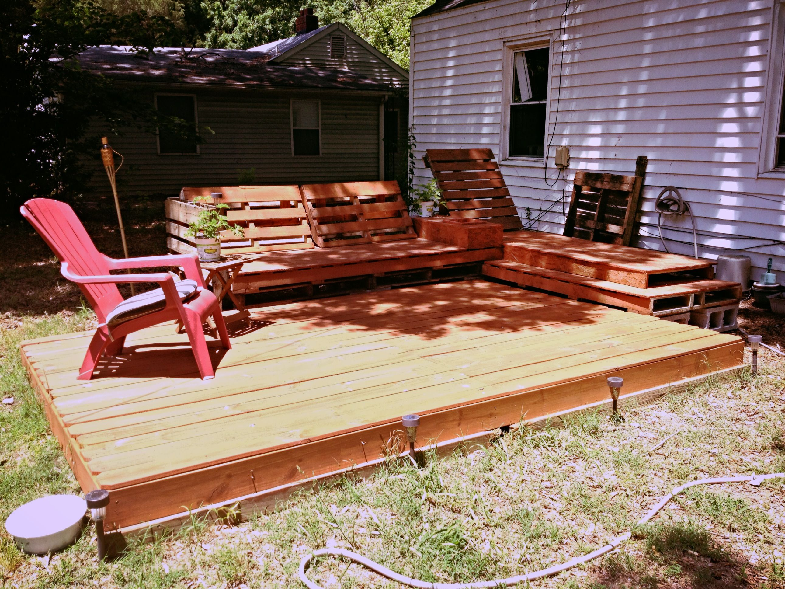 Deck And Relaxation Area Created Out Of Pallets And A Little Plywood! Cheap  Project With