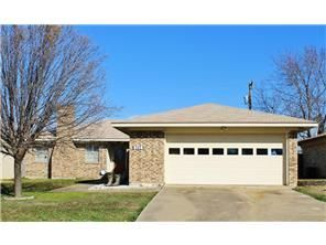 Listed at 5pm yesterday, executed contract in less than 24 hours above list price! Call the Jessica Hargis Group for premium service and prime $$$. Tommy McMahan 972-896-8046
